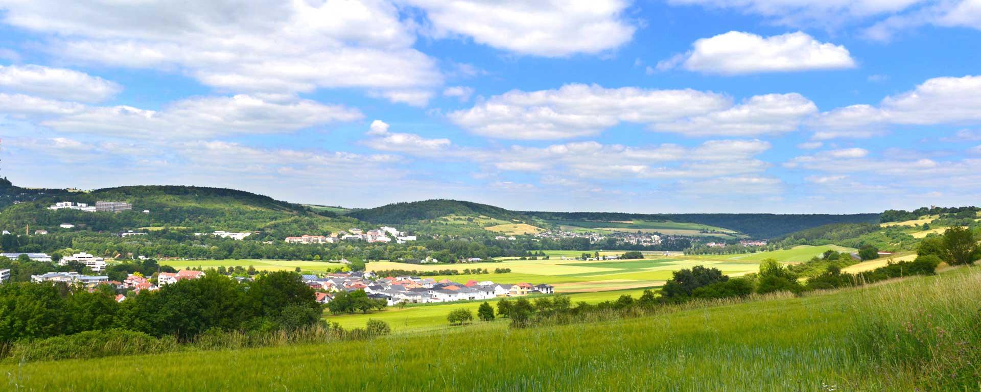 Kurzurlaub im 4-Sterne HOTEL SAVOY Bad Mergentheim an der Romantischen Straße - mit Blick auf das liebliche Taubertal